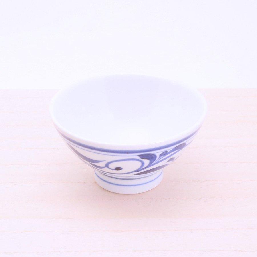 砥部焼・千山窯 − 茶碗(中) 唐草
