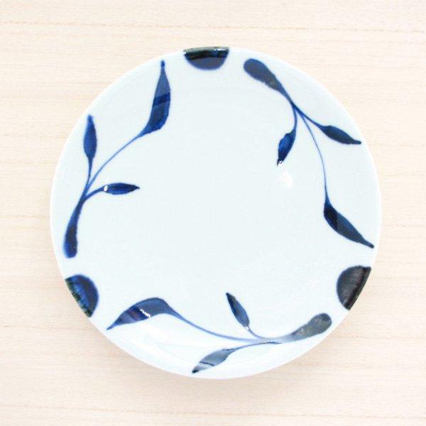 砥部焼・雲石窯 − 6寸皿 三ツ葉