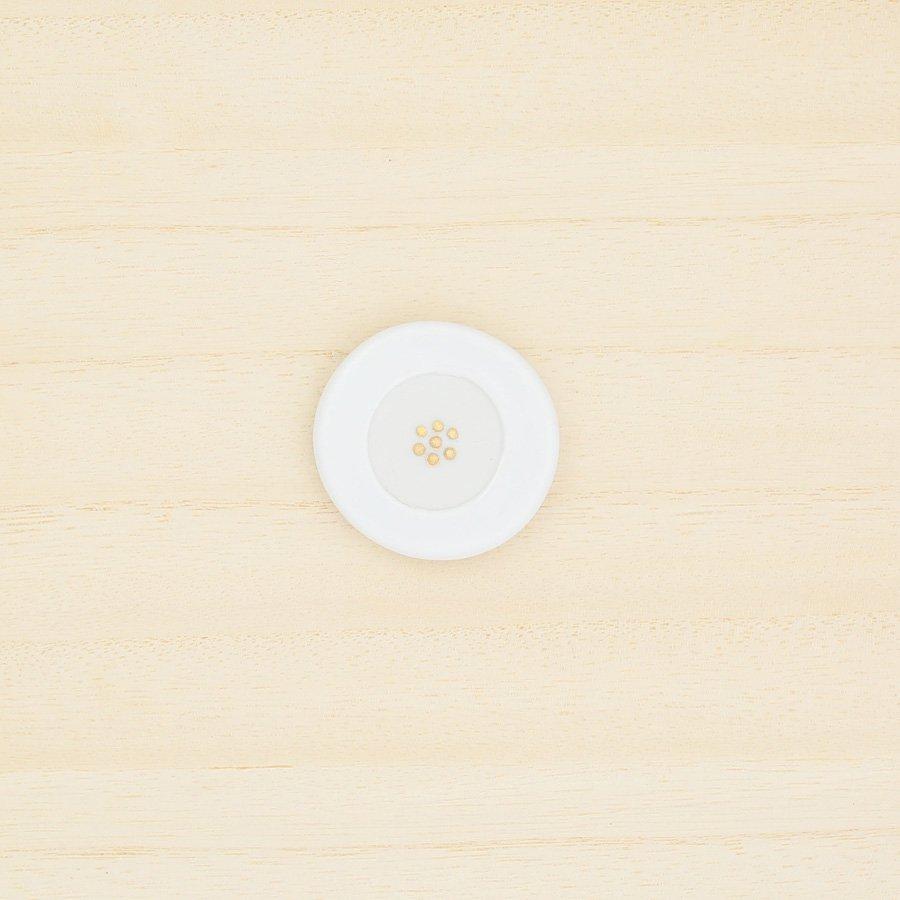 砥部焼・泰山窯 − 花ブローチ(白色)