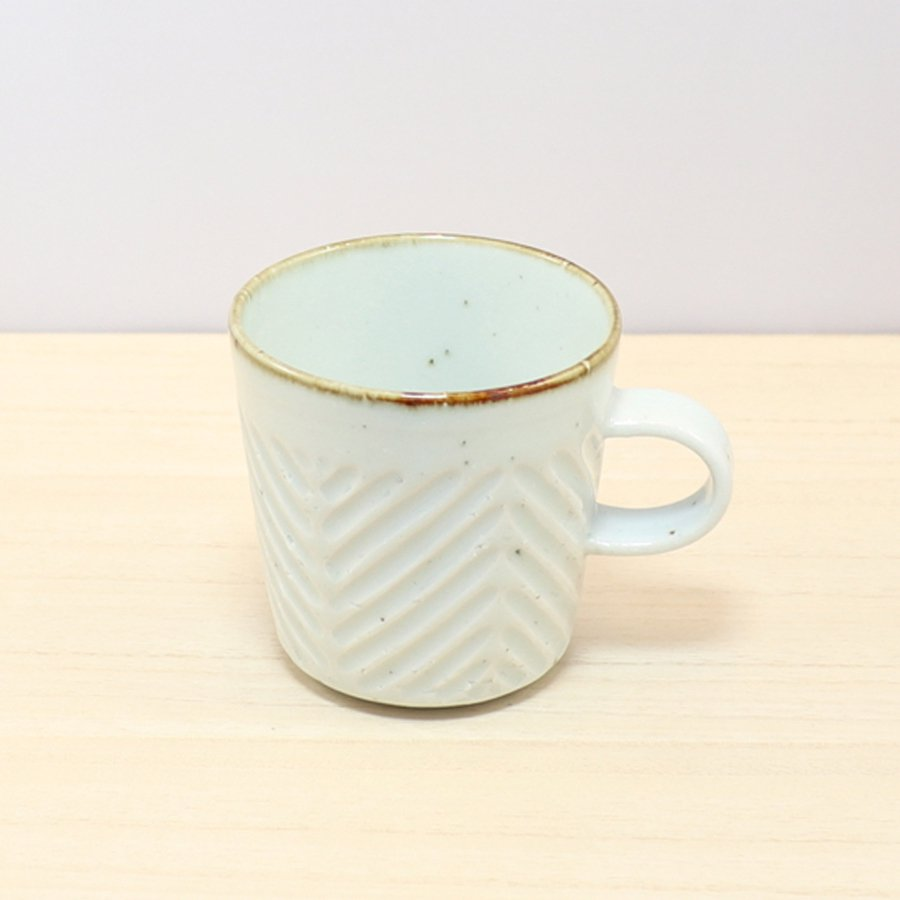 砥部焼・皐月窯 − マグカップ ヘリンボーン