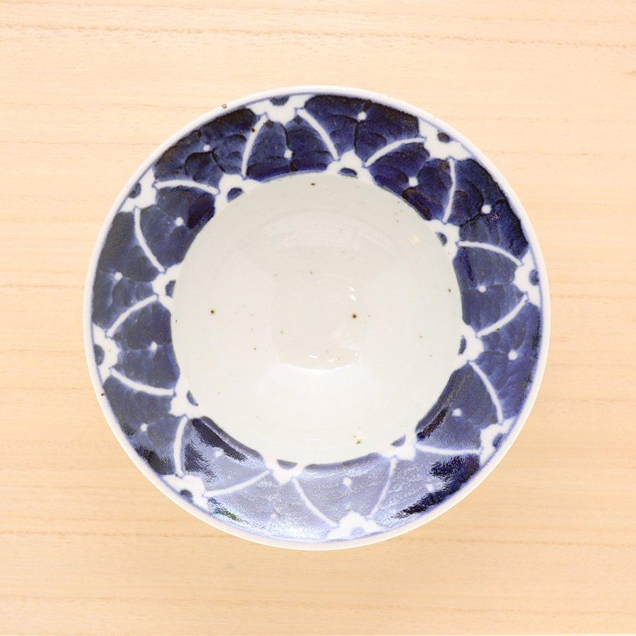 砥部焼・皐月窯 − 6寸縁付鉢 染付花