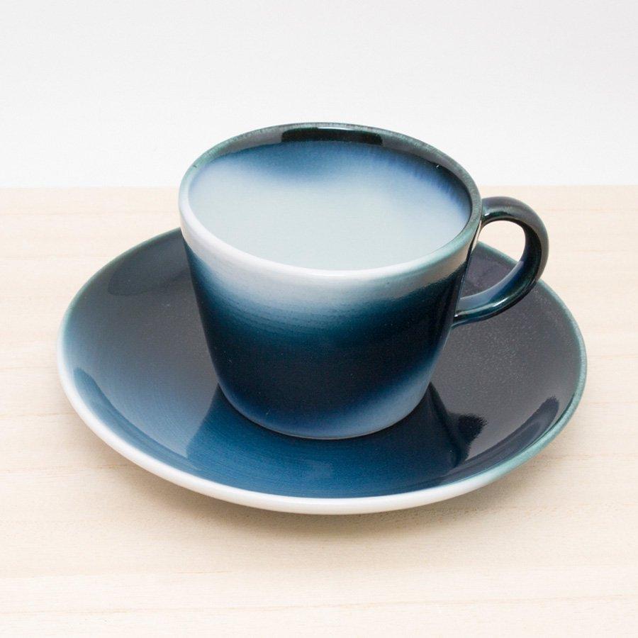 砥部焼・ヨシュア工房 − コーヒーカップ&ソーサー 波塗り [コーヒーセット]
