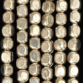 シルバープレーテドメタルラウンドレクタングルビーズ3.5-4mm
