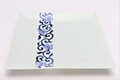 そうた窯 染付桜唐草 7.5寸正角皿