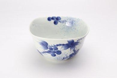 染付和ぶどう 角小鉢