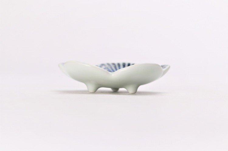 そうた窯 染付蛸唐草 花型箸置き 画像サブ1