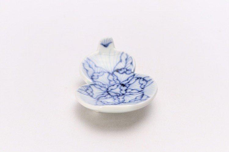 そうた窯 染付花弁紋 瓢型箸置き 画像メイン