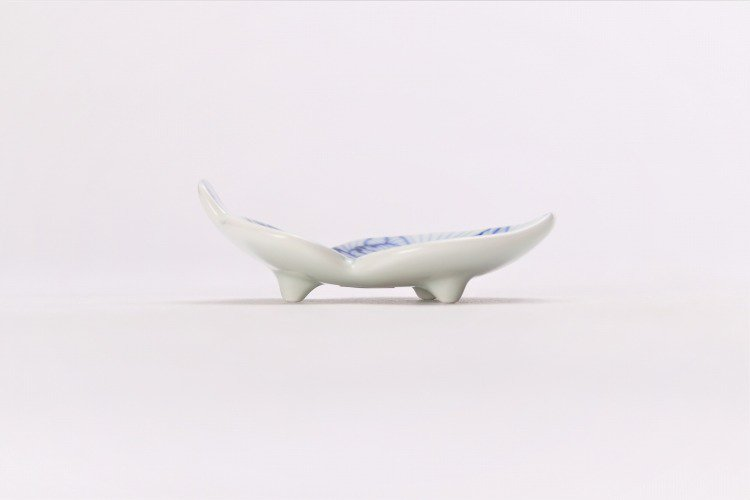 そうた窯 染付花弁紋 瓢型箸置き 画像サブ1