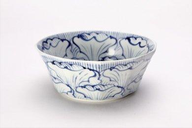 そうた窯 染付花弁紋 4.5寸面取鉢