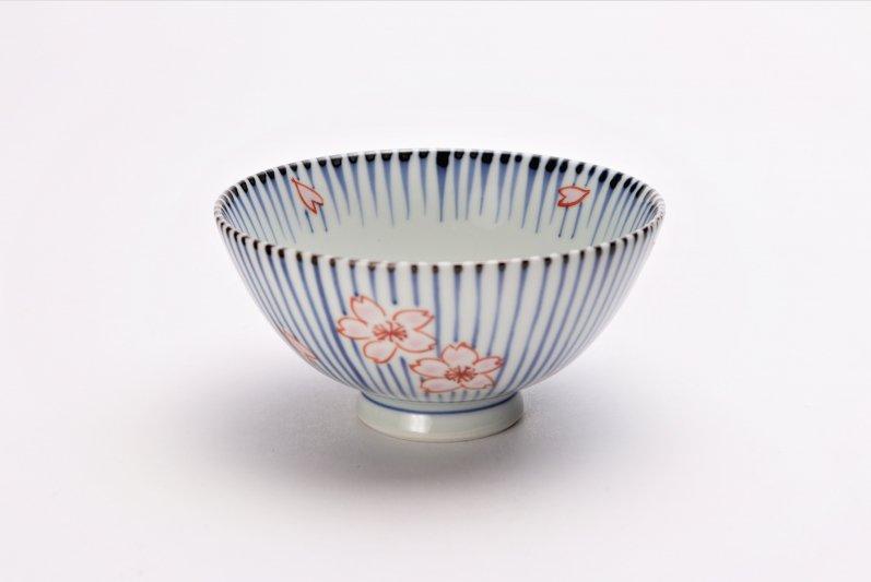 楽々シリーズ 染錦呉須十草桜 ミニ茶碗 (化粧箱入り) 画像メイン