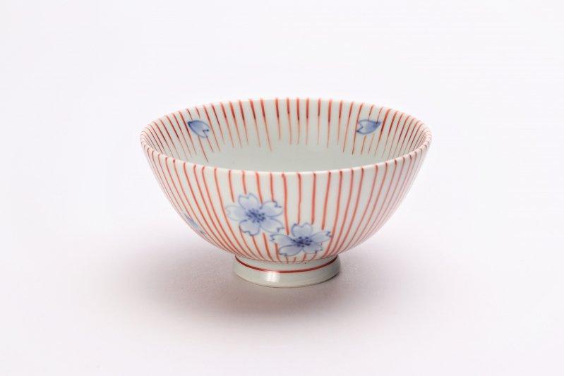 楽々シリーズ 染錦赤十草桜 ミニ茶碗 (化粧箱入り) 画像メイン