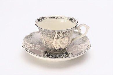 徳幸窯 錦クリーム釉銀彩菊華紋紅茶碗