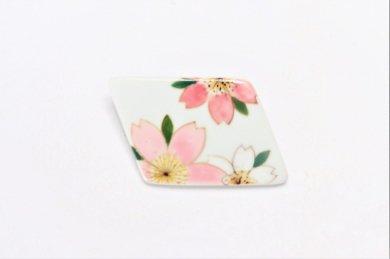 楽々シリーズ ピンク桜 ブローチ(菱型)