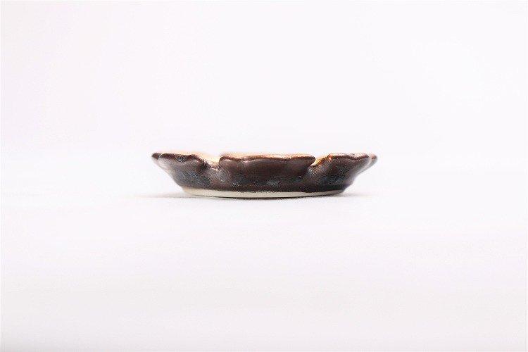 陶悦窯 黒柚子金塗り 雪輪豆箸置き 画像サブ1