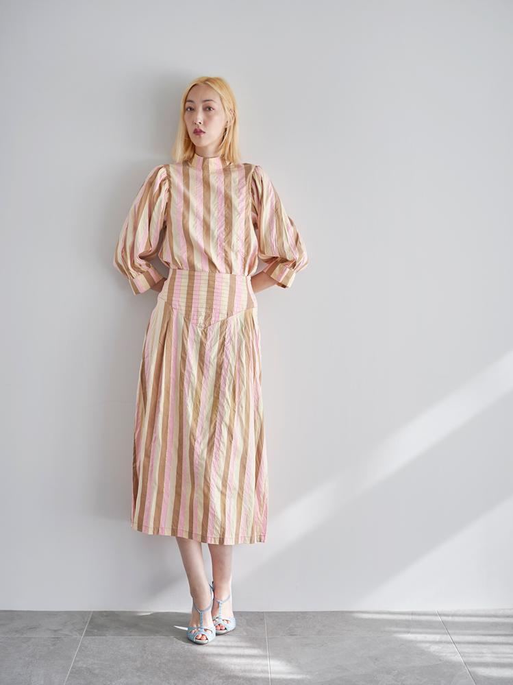 Midi Skirt / beige × pink