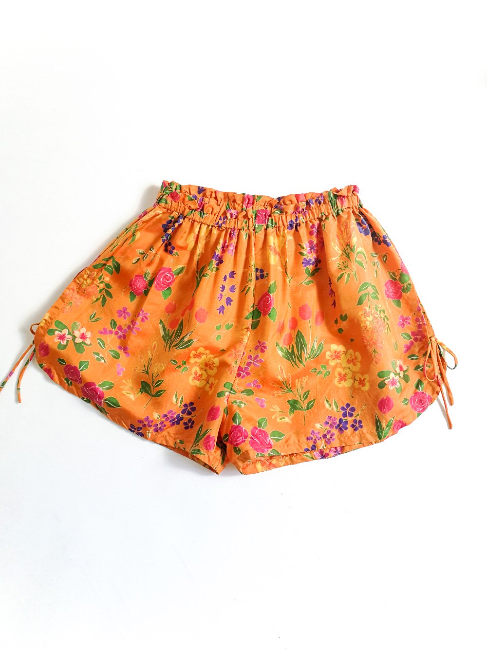 Shorts / orange flower