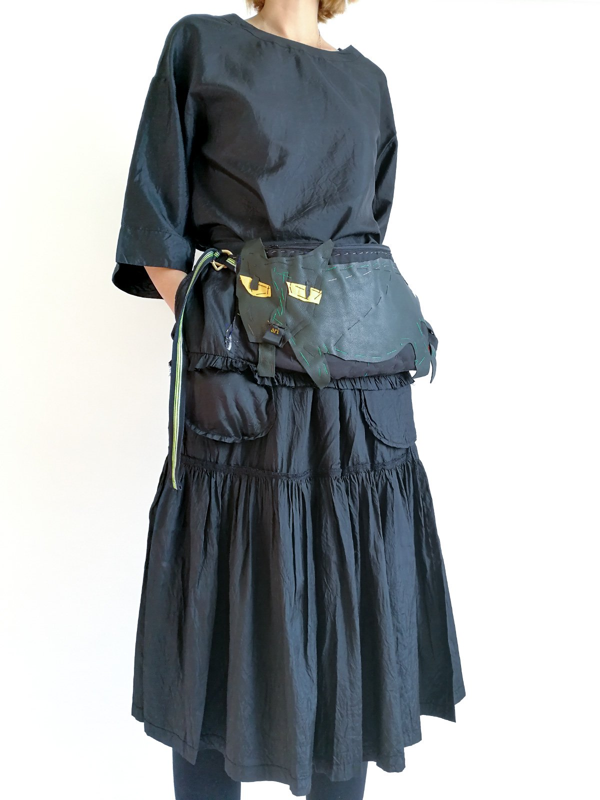 ari×mamarobot / Black Skirt with Cat Bag