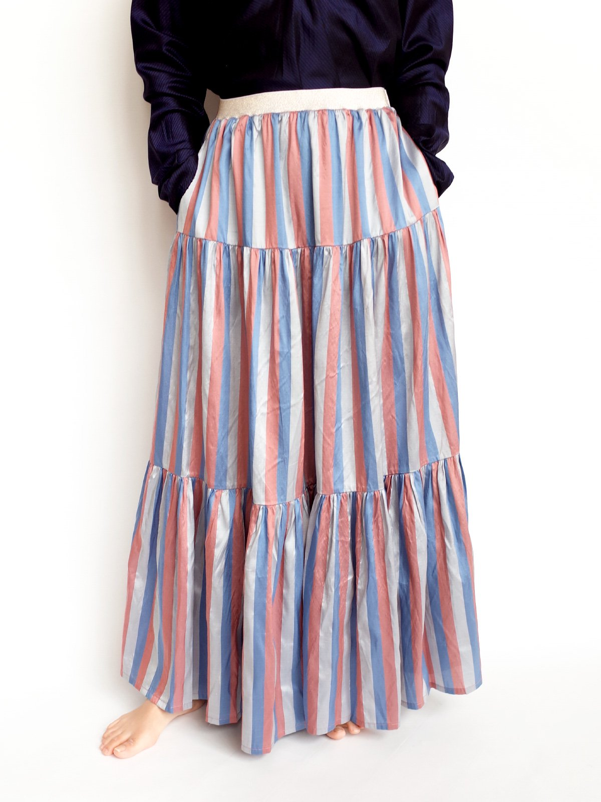 Tiered Skirt / blue × pink