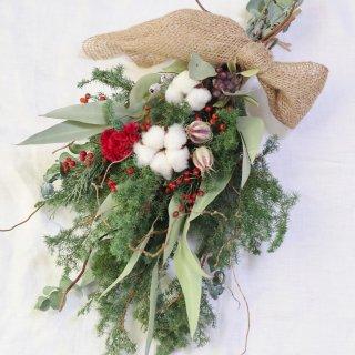 針葉樹とコットンのクリスマススワッグ