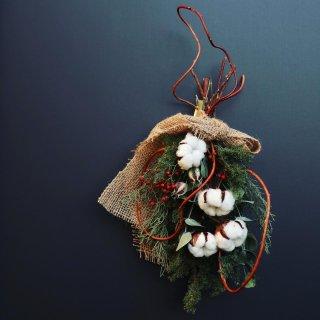 コットンのコンパクトなクリスマススワッグ