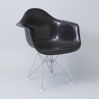 Eames Arm Shell / Eiffel Base (DAR)