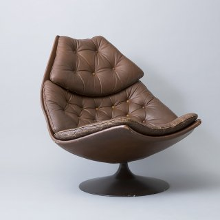 F588 Lounge Chair