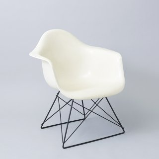 Eames Arm Shell / Cat's Cradle (LAR)