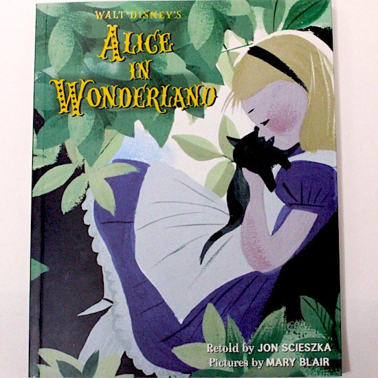 Walt Disney's Alice in Wonderland: Illustrated by Mary Blair (Walt Disney Classics)