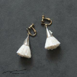 accessories mau (アクセサリー マウ)  つつっぽ silver イヤリング(白)
