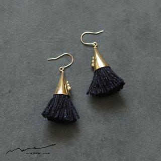 accessories mau (アクセサリー マウ)  つつっぽ brass ピアス(黒)