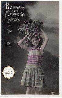 フランスアンティーク ポストカード 花籠を頭に載せたアンネのような少女【普通郵便送料無料】