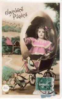 """フランスアンティーク イースターのポストカード """"たまごの殻の馬車ならぬ縦ロールの可愛い女の子""""【普通郵便送料無料】"""