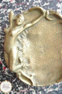 フランスアンティーク アールヌーボー期 ヴィーナスの真鍮アクセサリートレー