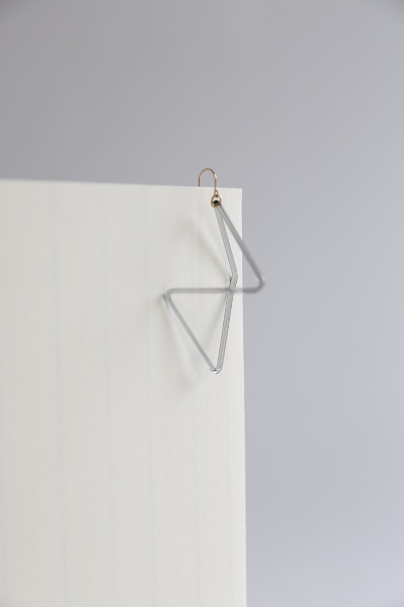 invisible triangle earring