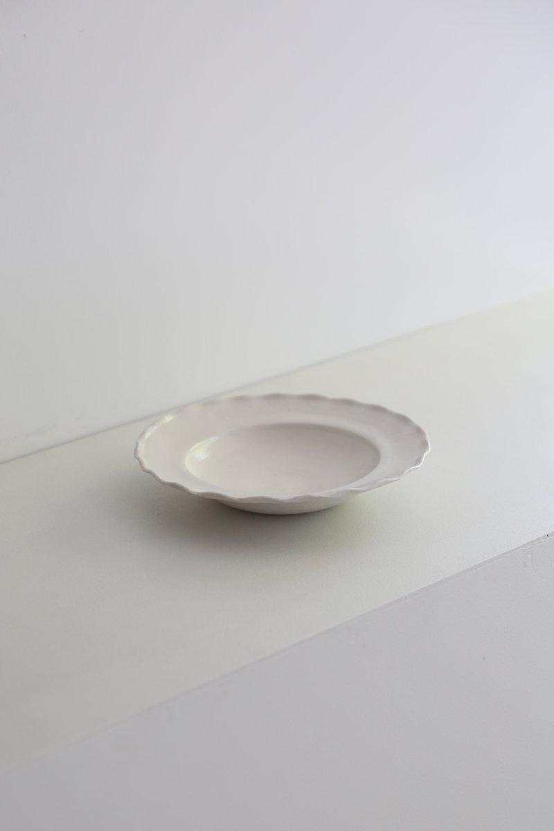 白磁フリル皿 Φ23