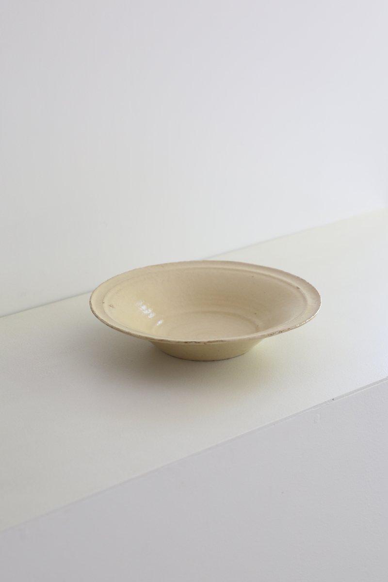 黄釉細リム鉢