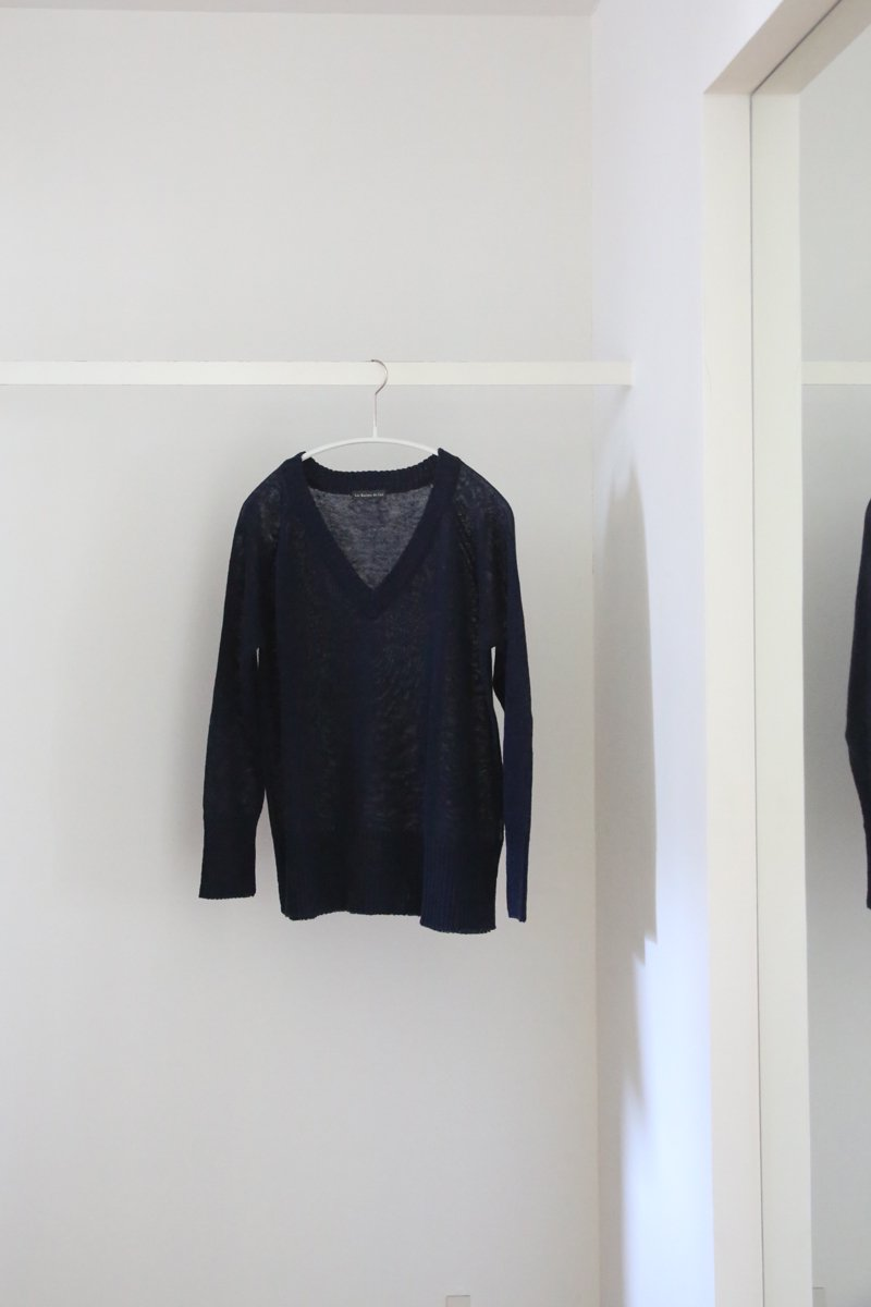 Linen wide V-neck Sweater|navy