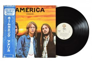 America / Homecoming / アメリカ