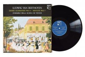 ベートーヴェン / 12のドイツ舞曲 12のメヌエット / ウィーン・ベラ・ムジカ・アンサンブル
