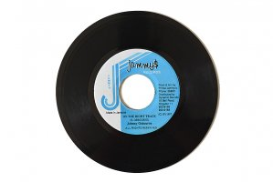 Johnny Osbourne / On The Right Track / ジョニー・オズボーン<img class='new_mark_img2' src='https://img.shop-pro.jp/img/new/icons6.gif' style='border:none;display:inline;margin:0px;padding:0px;width:auto;' />