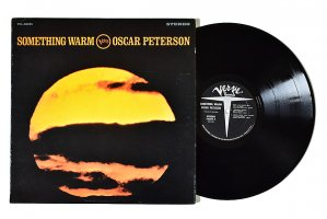 Oscar Peterson / Something Warm / オスカー・ピーターソン<img class='new_mark_img2' src='https://img.shop-pro.jp/img/new/icons6.gif' style='border:none;display:inline;margin:0px;padding:0px;width:auto;' />