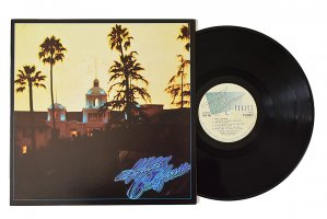 Eagles / Hotel California / イーグルス<img class='new_mark_img2' src='https://img.shop-pro.jp/img/new/icons6.gif' style='border:none;display:inline;margin:0px;padding:0px;width:auto;' />