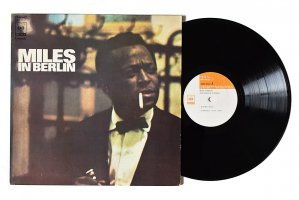 Miles Davis / Miles In Berlin / マイルス・デイビス<img class='new_mark_img2' src='https://img.shop-pro.jp/img/new/icons6.gif' style='border:none;display:inline;margin:0px;padding:0px;width:auto;' />