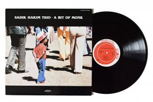 Sadik Hakim Trio / A Bit Of Monk / サディク・ハキム<img class='new_mark_img2' src='https://img.shop-pro.jp/img/new/icons6.gif' style='border:none;display:inline;margin:0px;padding:0px;width:auto;' />
