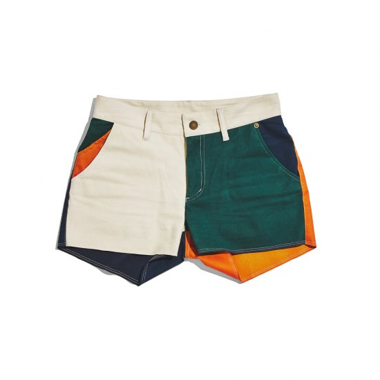 Multifaceted shorts / women