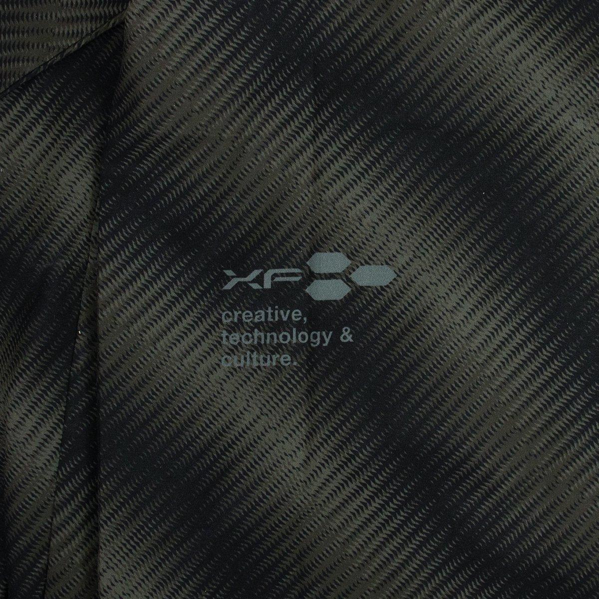 <img class='new_mark_img1' src='https://img.shop-pro.jp/img/new/icons8.gif' style='border:none;display:inline;margin:0px;padding:0px;width:auto;' />フーディージャケット '20 ブラック