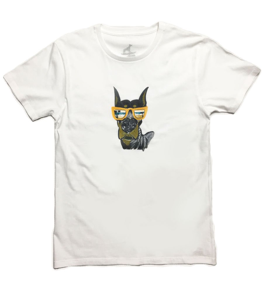 He is in the beach[T-shirt]