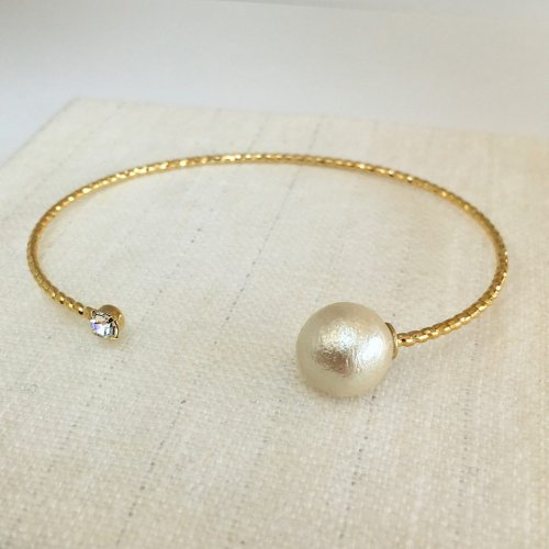 Cotton pearl  bangle