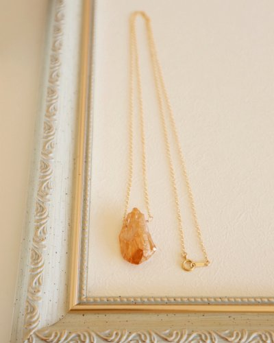 Crystal champagne coating necklace