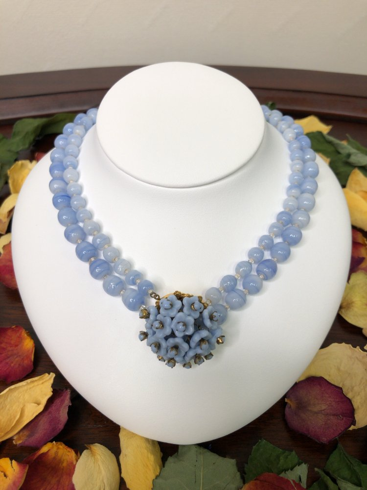 Miriam Haskell  milk glass necklace 【U.S.A】
